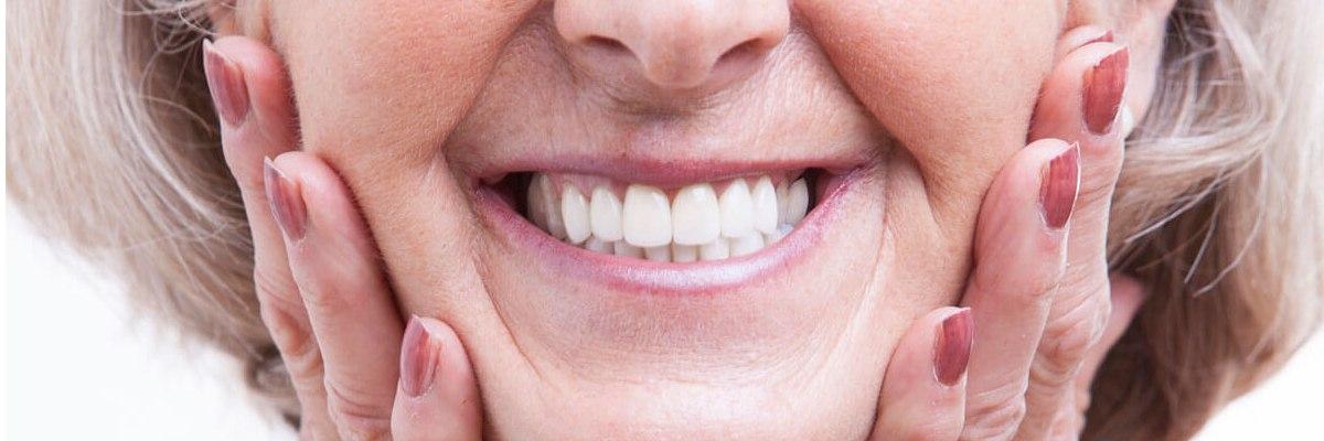 Razones por las que reemplazar dientes perdidos