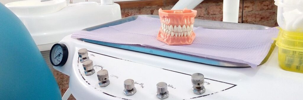 Sedación consciente para implantes dentales en Huelva
